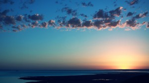 moto-sfondi-cielo-tramonto-nuvole-sole-colori-mare-acqua-spazio-313004